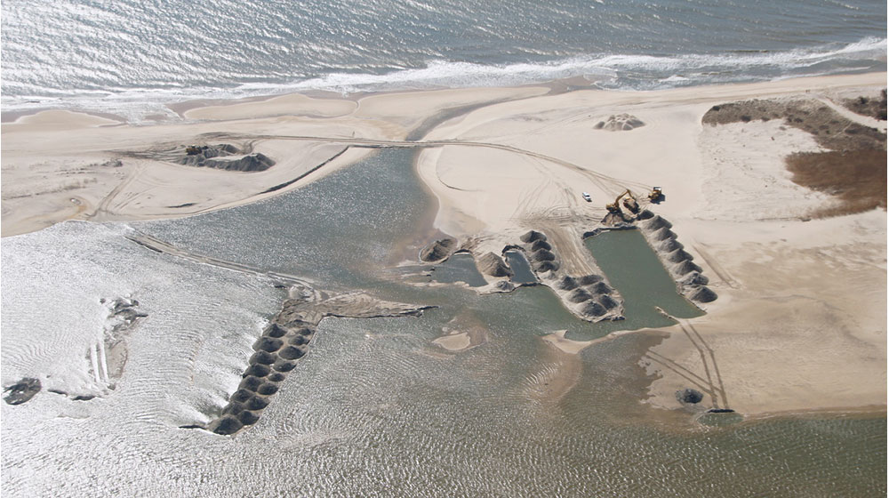 Beach-Nourish-Dredging-Sag-Pond-Inlet-Dredge-Aerial-1